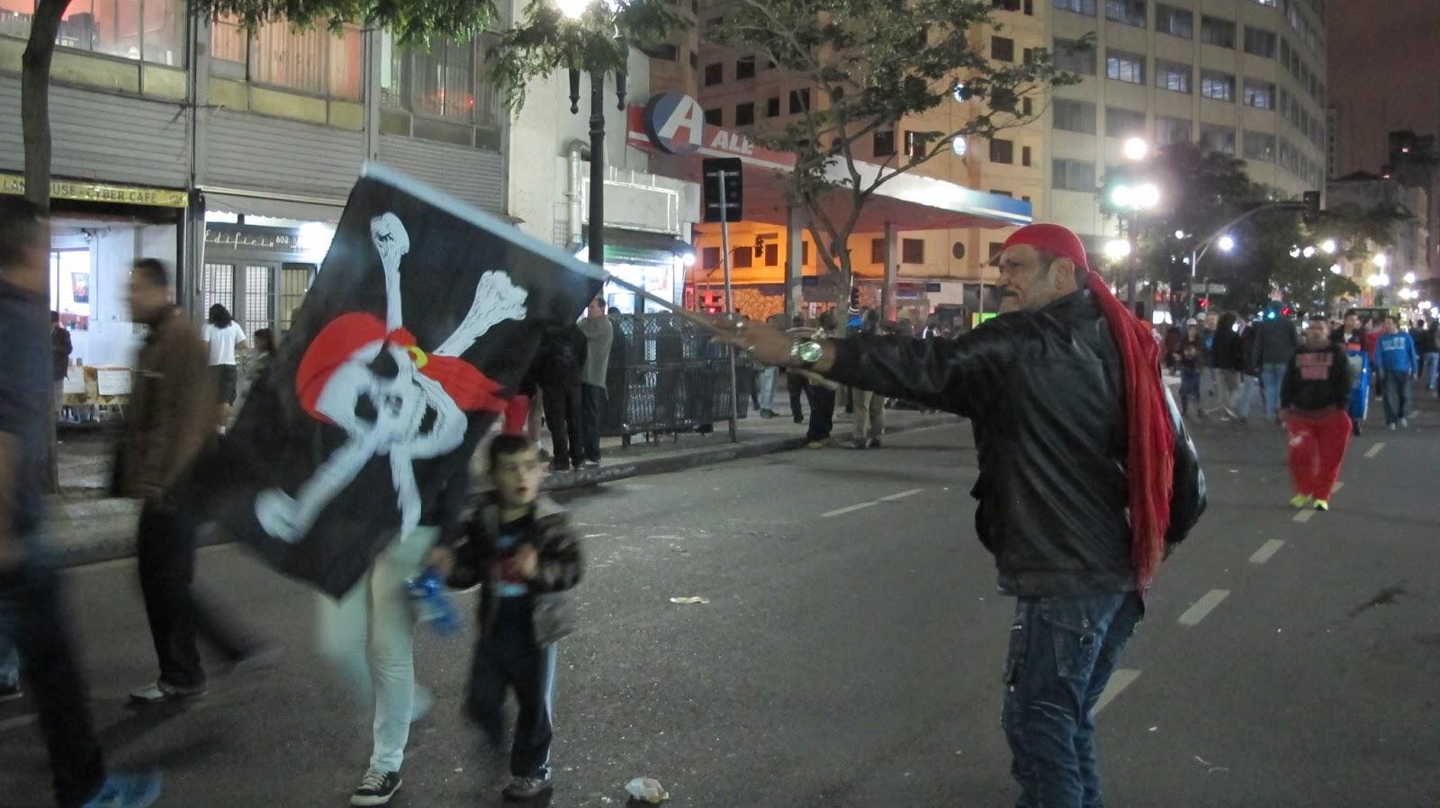 Cena da Virada Cultural na Avenida São João - Foto: Jotabê Medeiros