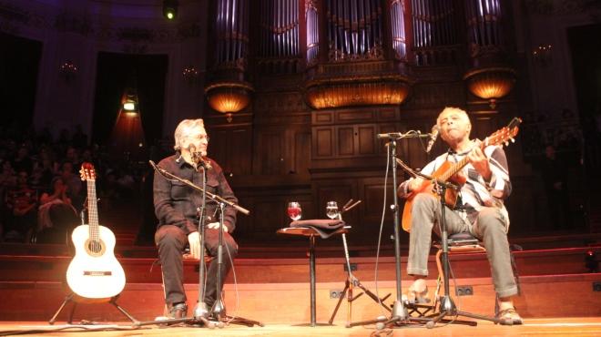 Gil e Caetano comemoram 50 anos de carreira e amizade ao abrir turnê internacional com show em Amsterdã - Fotos: Sandro Fernandes/Opera Mundi