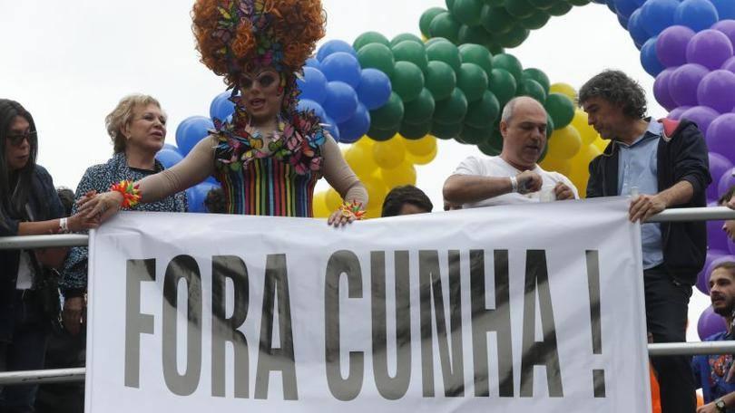 size_810_16_9_PP_parada_gay_33-850x567