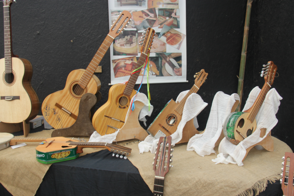 Instrumentos fabricados por luthier de Atibaia