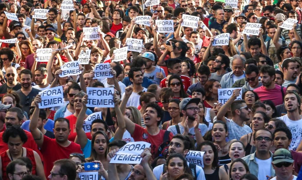 Ato na rua da Consolação, em São Paulo, em 15 de maio de 2016. (foto Paulo Pinto/Agência PT)