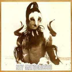 """Em """"Água do Céu - Pássaro"""" (1975), de Ney Matogrosso, Luiz Fernando fotografou a capa e Luli & Lucina assinaram o lancinante épico natural """"Pedra de Rio"""""""