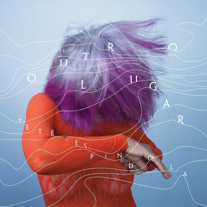 """Nas linhas de """"Outro Lugar"""" (2017), canções sobre andorinhas, correntezas, pés de vento, aconchegos"""