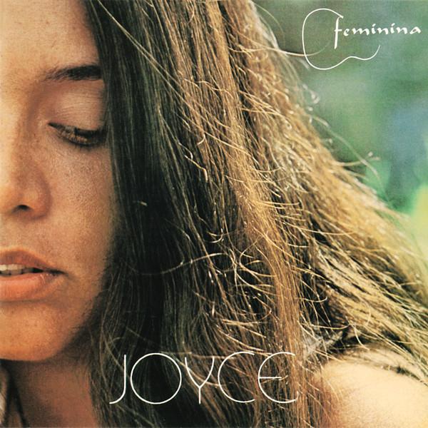 """Já sob o sucesso de """"Clareana"""" no festival global MPB 80, """"Feminina"""" (1980) marcou a volta da compositora, com """"Mistérios"""", """"Feminina"""", """"Essa Mulher"""",  """"Da Cor Brasileira"""", """"Revendo Amigos"""", """"Banana"""", """"Aldeia de Ogum""""..."""